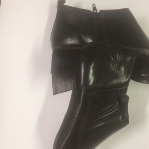 Tucker Shoes - Ladies Black Tucker Boots